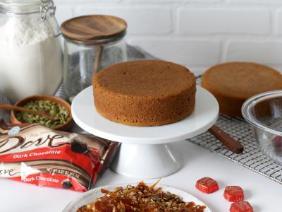 2220Recipe: Spiced Pumpkin Cake with Dark Chocolate Frosting